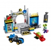 LEGO 10672 - LEGO JUNIORS - Batman Defend the Batcave